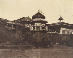 Mussum [Samman?] Boorj and Dewan Khass of the Palace, Delhi.